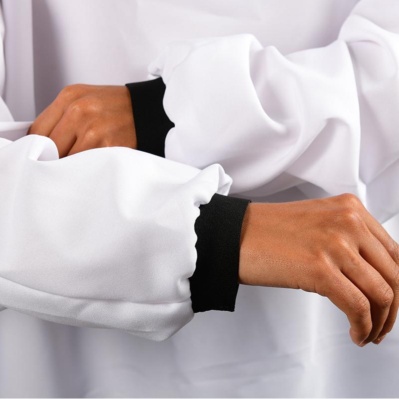 Modèle avec blouses 150gr en polyester zoom poignet