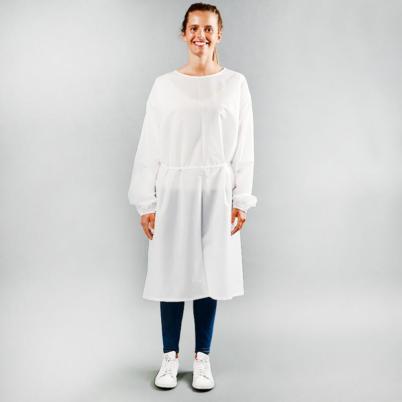 Modèle avec blouses 115gr en polyester
