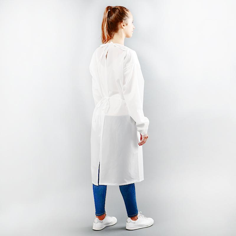 Modèle avec blouses 80gr en polyester et polyuethane zoom arrière